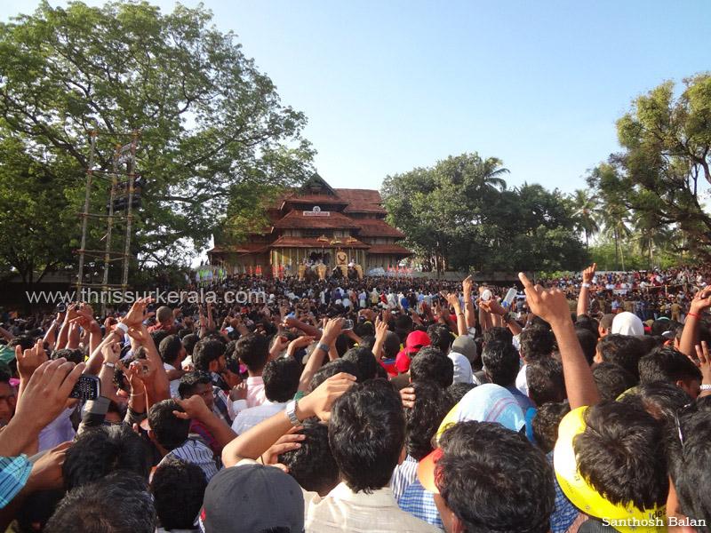 Photos of Thrissur Pooram 2012, Thrissur Pooram Images, 2012