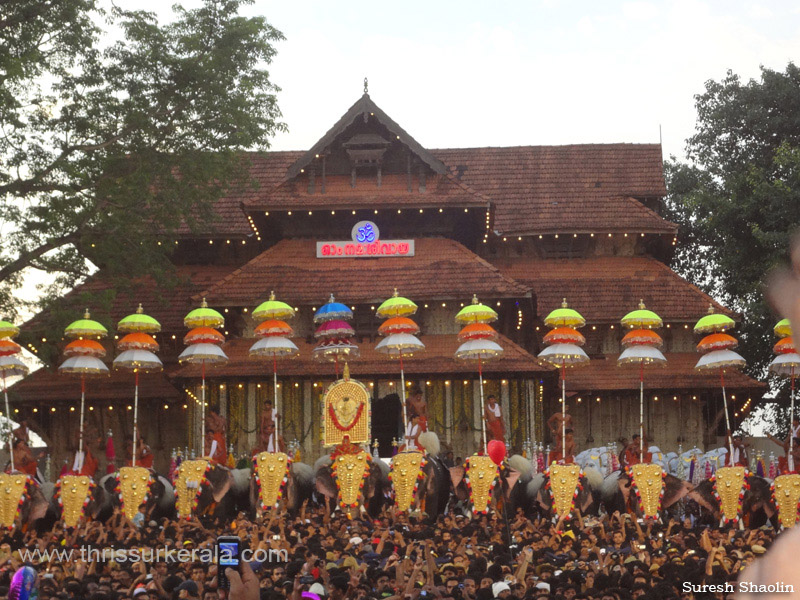 Photos of Thrissur Pooram 2012, Thrissur Pooram Images, 2012
